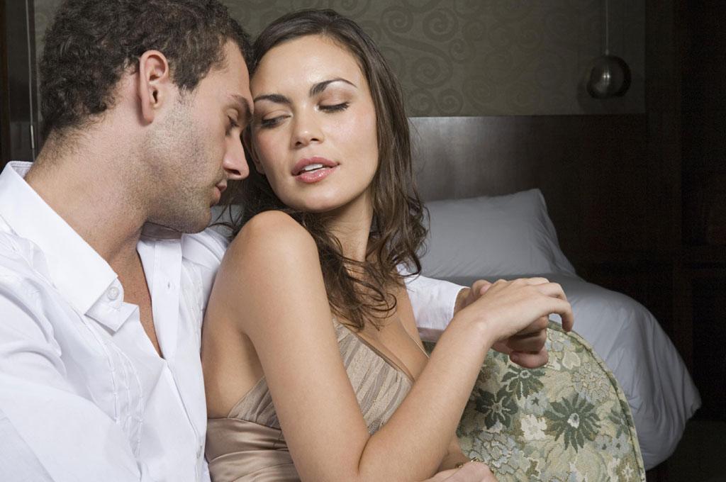 Очень изменяющие русские жены фото фистинг русские домашнее