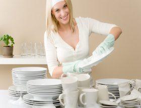 हाथ से बर्तन धुलते समय ध्यान रखें ये बातें