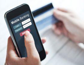 मोबाइल बैंकिंग : आप का बैंक, आप के हाथ