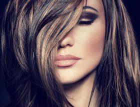आप भी देना चाहती हैं बालों को आकर्षक कलर, तो अपनाइये ये तरिके
