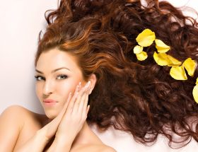 बालों को सेहतमंद बनाने के टिप्स