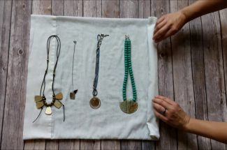 jewellery packing