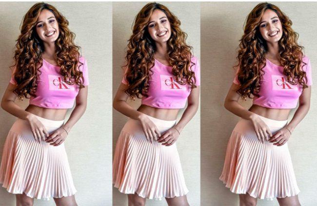 disha-pink-dress